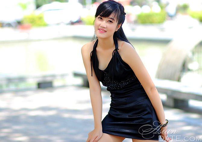 Mai Ly naked 206